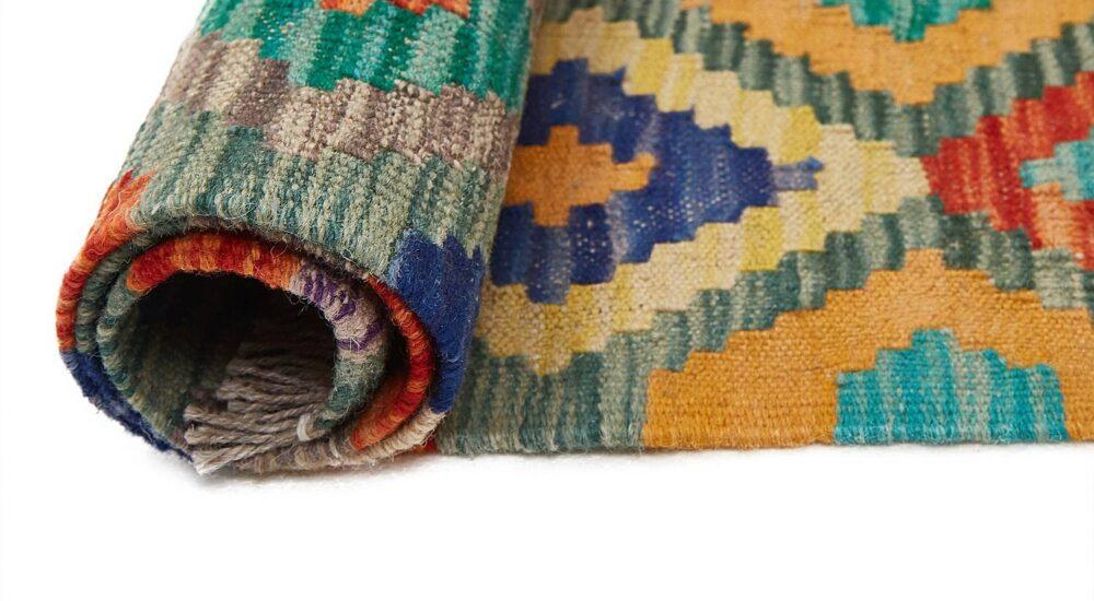 Jak usunąć klej z wykładziny dywanowej